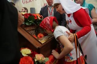 Величайшие святыни покидают Россию