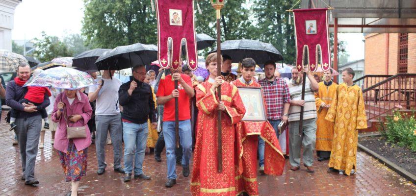 Престольный праздник в храме Святой преподобномученицы Великой княгини Елисаветы