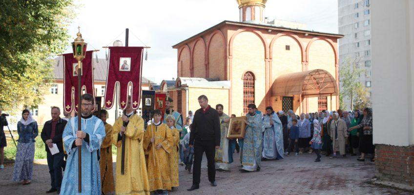 Престольный праздник в храме в честь иконы Божией Матери «Всецарица»
