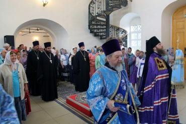 Епископ Воскресенский Савва посетил Никольское благочиние