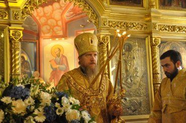 Архиерейское богослужение состоялось на малый престольный праздник храма Архангела Михаила и его чуда в Хонех в Былове