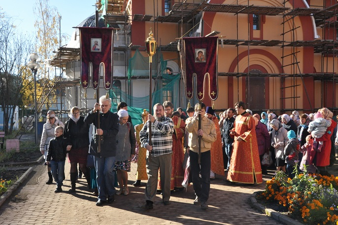 Престольный Праздник встретила община  Елисаветинского  храма  в  Щербинке